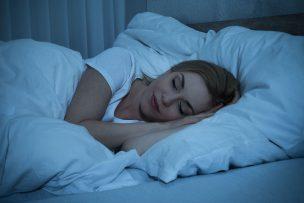 寝る痩せる