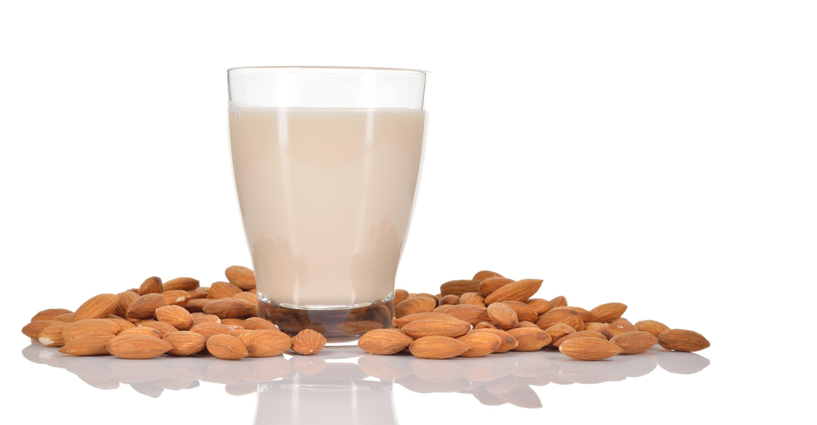 アーモンドミルク栄養