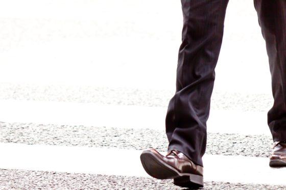 歩き方性格男性